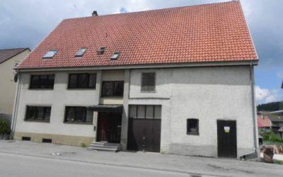 — VERKAUFT — Dreifamilienhaus