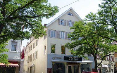 — VERMIETET –Altbau-Whg. sucht 4er WG!