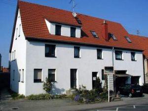— VERKAUFT — Haus mit Einliegerwohnung RT-Sickenhausen