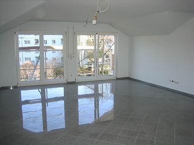 — VERMIETET — 3,5 Zi.-Wohnung Reutlingen, Neubau Erstbezug
