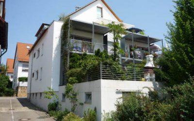 — VERMIETET — Neuwertige 3-Zi.-Wohnung mit Sonnenterrasse, Eningen