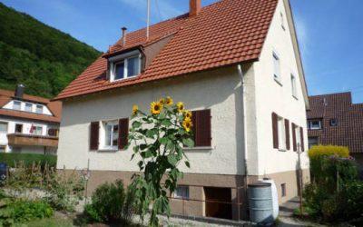 — VERKAUFT — gepfl. Einfamilienhaus mit ebenem sonnigen Garten…