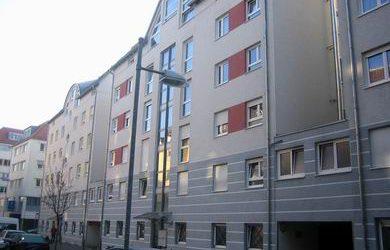 — VERMIETET — Helle 3 1/2-Zimmer-Wohnung S-Süd! 2.OG