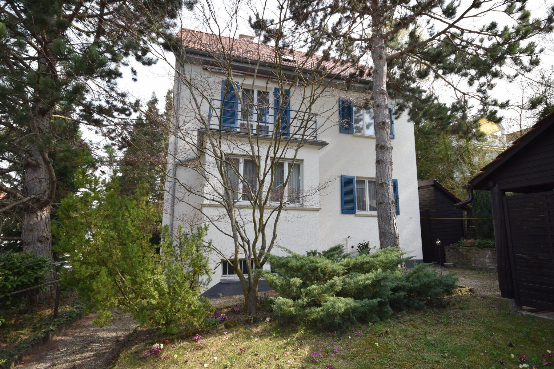 — VERKAUFT — RT/Steinenberg, nahe Kliniken – Haus mit 30´er Charme und herrlichem Grundstück