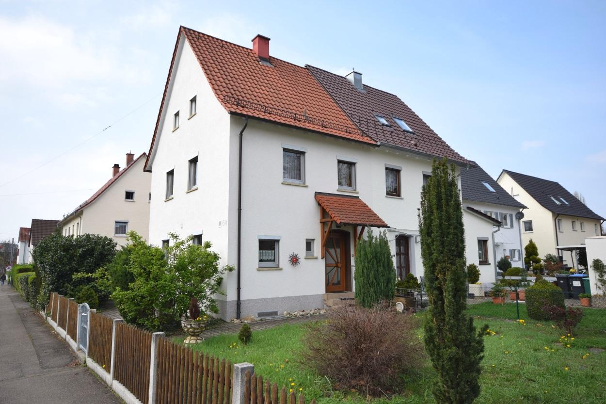 Bosch in Sichtweite! DHH mit Garten u. Garage in Reutlingen/ ruhige Lage