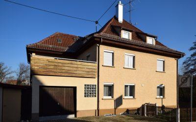 — VERKAUFT —  RT/Betzingen – Viel Haus und Fläche für´s Geld! Großes Wohnhaus mit 9 Zimmer und 4 Garagen (Altbau)